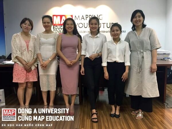 Đại diện trường đại học Dong A về thăm Du học MAP