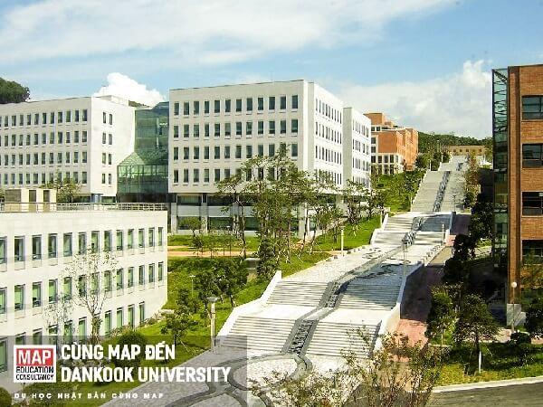 Khuôn viên Dankook university rộng rãi và mang nét đặc trưng