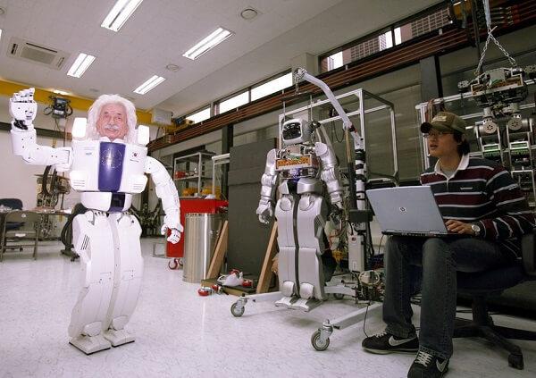 Albert Hubo - Robot nổi tiếng của trường KAIST Hàn Quốc