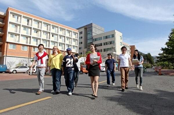 Du học sinh quốc tế tại trường Đại học Jeju Hàn Quốc