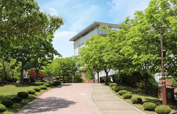 Kumoh National Institute of Technology xanh mát giữa những ngày mùa hạ