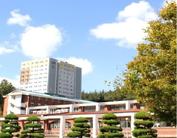 Tòa ký túc xá hiện đại tại KSNU