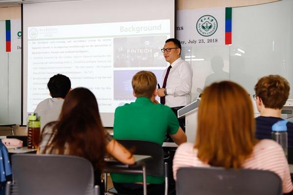Lớp học chuyên ngành Tài chính bằng tiếng Anh tại Trường Kinh doanh Quốc tế Solbridge