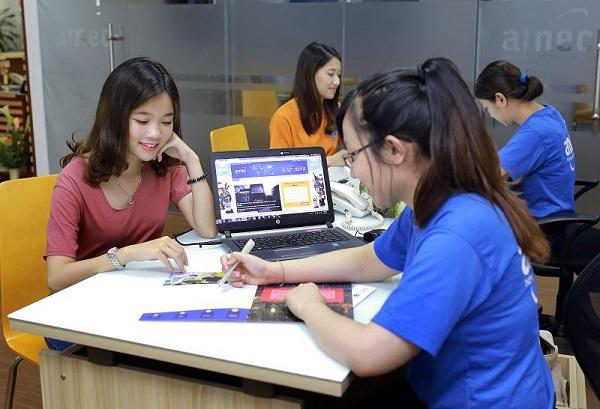 Sinh viên đến nhận phòng Ký túc xá tại MAP