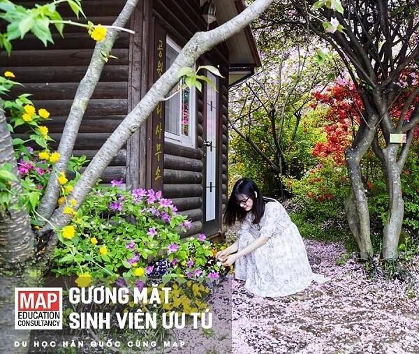 Đào Anh và khoảnh khắc mùa xuân ở Đại học Quốc gia Chonbuk
