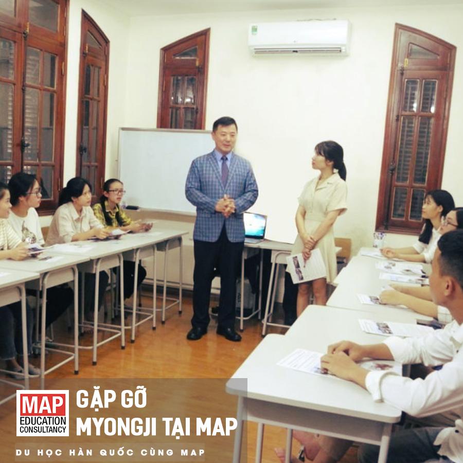 Đại diện trường Myongji gặp gỡ và trao đổi với sinh viên MAP.