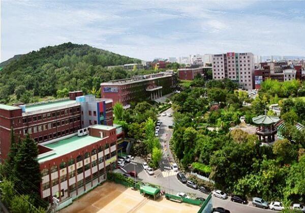Một góc khuôn viên trường Đại học Kỹ thuật Daegu