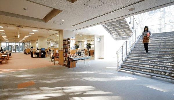 Thư viện trường với hơn 1,000,000 quyển sách