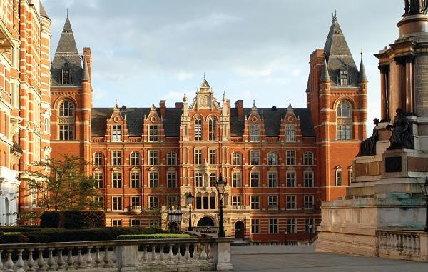 Học viện quản lý SIM Singapore liên kết với trường University of London