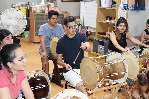 Lớp trải nghiệm văn hóa Hàn Quốc tại KDU