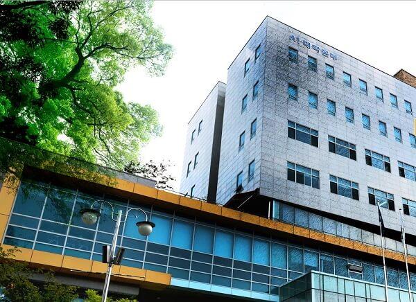 Tòa học xá chính của trường Sunchon