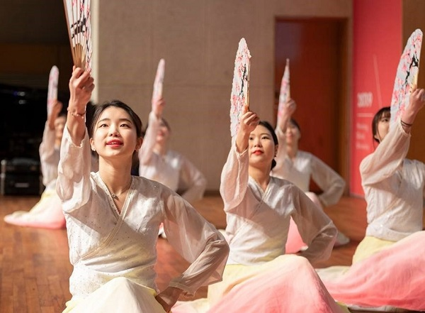 Chương trình văn nghệ giao lưu văn hóa tại Handong Global University