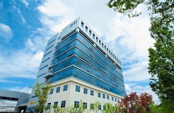 Tòa học xá chính của trường KoreaTech