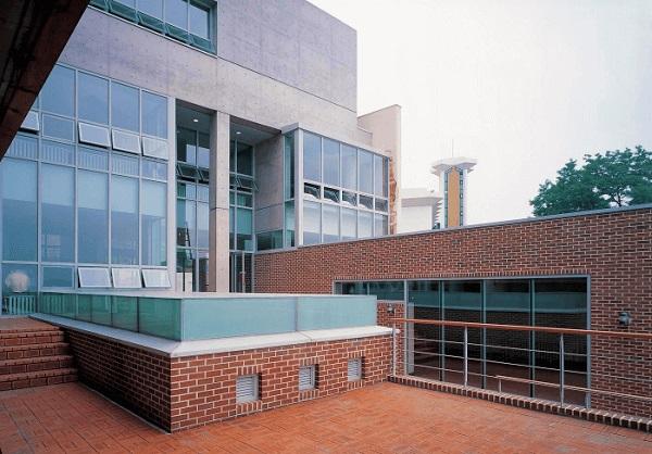 Nhà tưởng niệm Wooseok tại trường Thần học Seoul