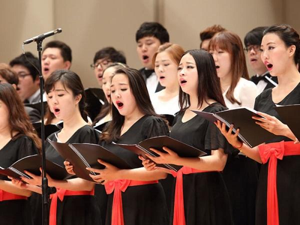 Du học Hàn Quốc ngành Âm nhạcđể có cơ hội đứng trên sân khấu và thể hiện tài năng của mình