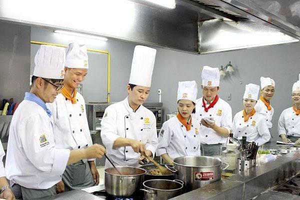Sinh viên sẽ được học những kĩ thuật làm bếp chuyên nghiệp hàng đầu