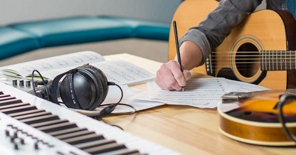 Sinh viên khoa sáng tác nhạc có cơ hội đem tác phẩm của mình trình diễn tại các sân khấu
