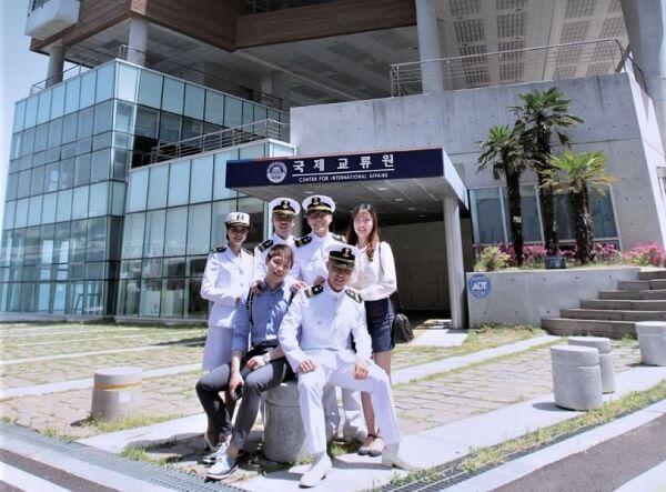 Các học viên tại Đại học Hàng hải & Đại dương Hàn Quốc
