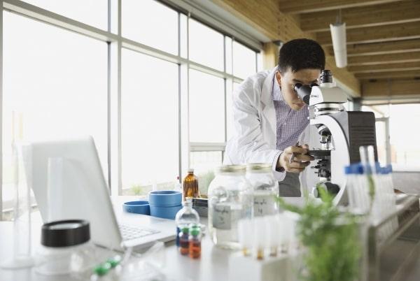 Cơ hội việc làm rộng mở dành cho sinh viên du học Nhật Bản ngành công nghệ sinh học