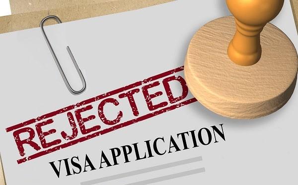 Dù hiếm gặp nhưng vẫn có trường hợp hồ sơ xin visa du học Singapore bị loại bỏ
