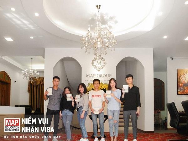 Niềm vui của sinh viên MAP khi nhận visa D4-6