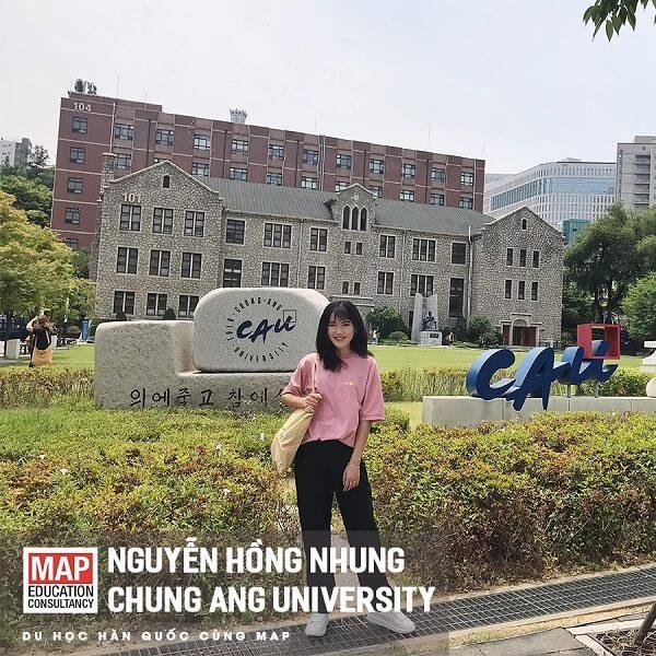 Sinh viên trường Đại học ChungAng