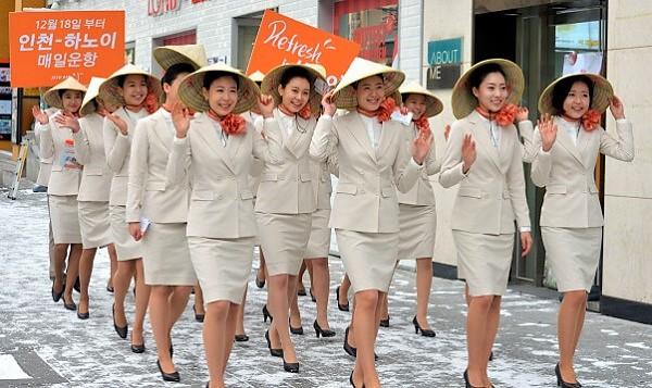 Đội ngũ tiếp viên hàng không hãng Jeju Air tại Đà Nẵng