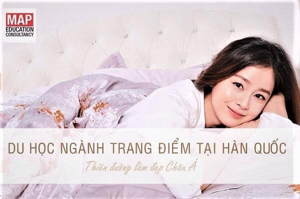 """Trang điểm – Làm đẹp là ngành học """"hot"""" tại Hàn Quốc"""