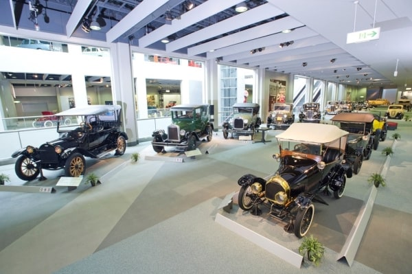 Bảo tàng xe hơi nổi tiếng của Toyota - Thiên đường dành cho sinh viên du học Nhật Bản đam mê xe ô tô