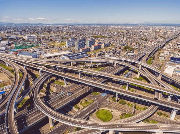 Giao thông ở Nagoya cực kỳ thuận lợi với hệ thống các tuyến đường lớn