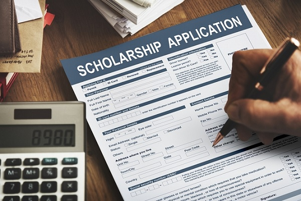 Lấy hồ sơ xin học bổng là điều quan trọng nhất mà sinh viên cần phải lưu ý