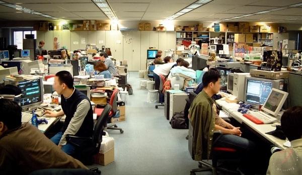 Môi trường làm việc năng động và khuyến khích tư duy sáng tạo là một trong những ưu điểm của du học Nhật Bản