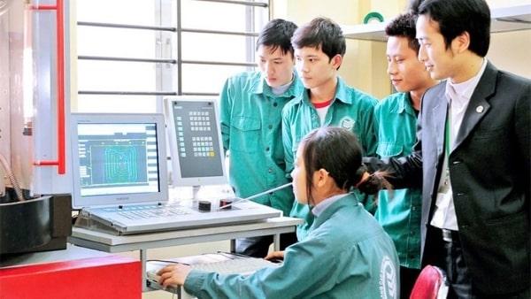 Một trong những ưu điểm của du học Nhật Bản tiêu biểu nhất chính là nhu cầu tuyển nhân lực cao của xứ sở hoa anh đào