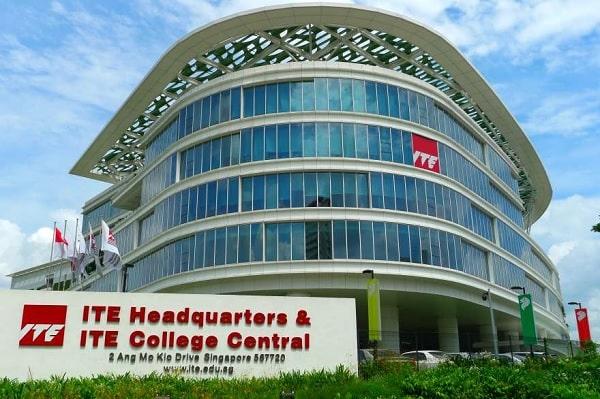 Trường công lập nghề tại Singapore