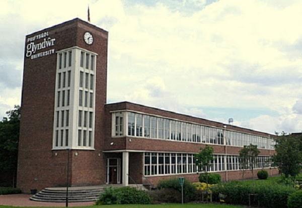 Du học SHRM Singapore sinh viên sẽ nhận được bằng đại học do trường Wrexham Glyndwr cấp