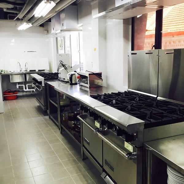 Phòng bếp để sinh viên thực hành