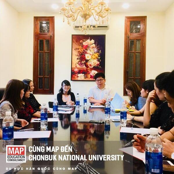 Đại diện trường ĐHQG Jeonbuk làm việc với Du học MAP tại Việt Nam