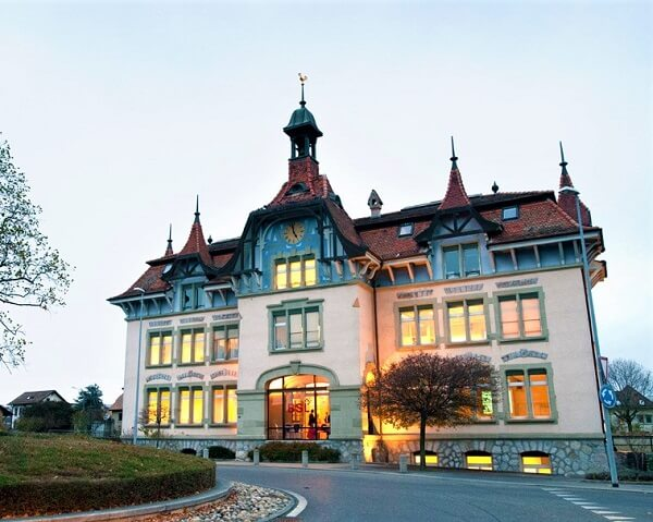 Trường kinh doanh Lausanne tại Thuỵ Điển