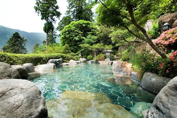 Suối nước nóng Gero là một trong những địa điểm nên đến