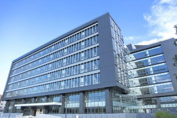 Toà học xá chính của trường Suwon Hàn Quốc