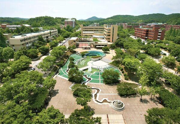 Toàn cảnh trường ĐH Quốc gia Gyeongsang