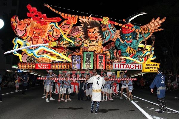 Nếu có dịp, các bạn hãy thử trải nghiệm lễ hội Aomori Nebuta nổi tiếng
