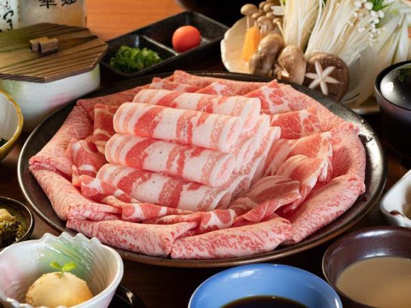Thịt bò đen (Kurobuta) là đặc sản nên thử khi du học ở Kagoshima