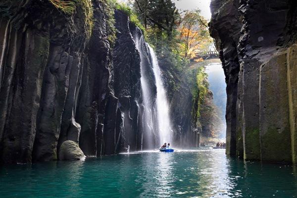 Hẻm núi Takachiho Gorge - Du học tại Miyazaki