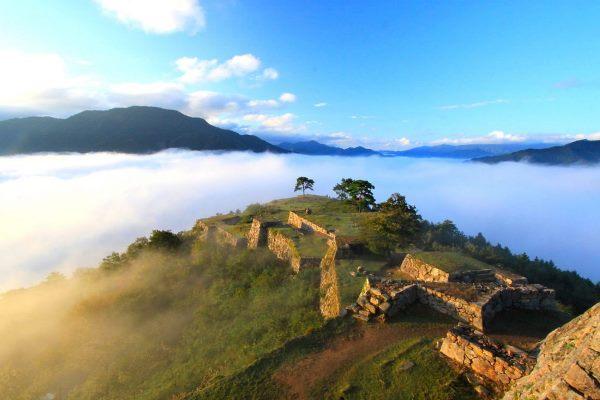 Những gì còn lại của lâu đài Takeda