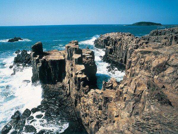 Những vách đá tại Tojinbo