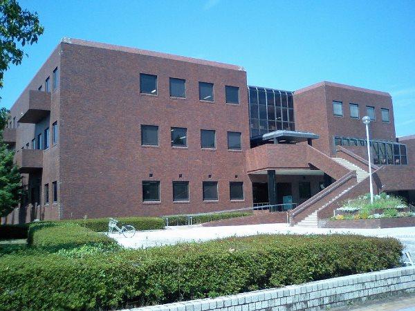 Hệ thống thư viện hàng đầu tại trường
