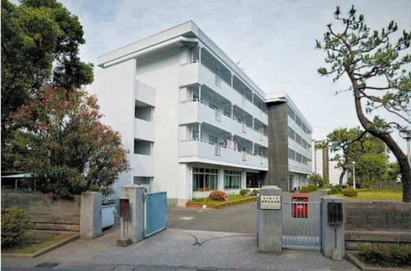 Một khu ký túc xá trường đại học Kagoshima Nhật Bản