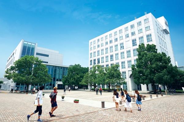 Chương trình E-Track tại Tokyo International University sẽ đào tạo sinh viên hoàn toàn bằng tiếng Anh