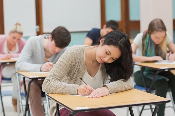 Để có thể nhận A*STAR Scholarship, sinh viên cần tham dự các kỳ thi và phỏng vấn